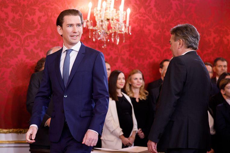 Kanselier Sebastian Kurz leidt een kabinet dat voor het eerst in de geschiedenis van Oostenrijk uit meer vrouwen dan mannen bestaat.  Beeld EPA