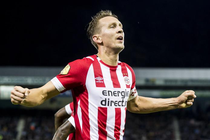 Luuk de Jong met de 1-4 voor PSV.
