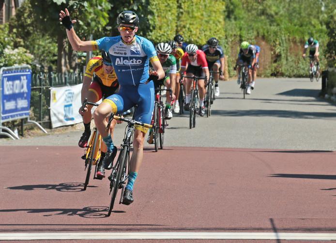 Abbenbroek Daan van Sintmaartensdijk wint de Ronde van Abbenbroek