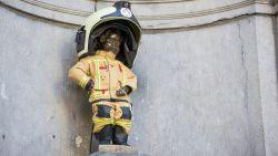 Manneken Pis trekt brandweeruniform aan voor slachtoffers van 22 maart