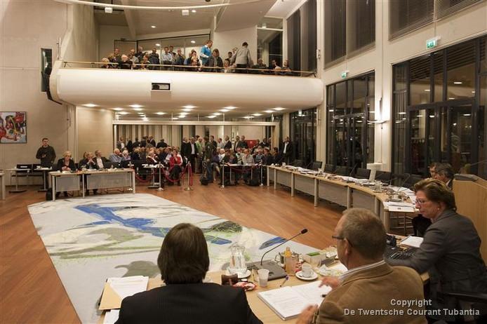 Het was een lange raadsvergadering in 2009. De raad ging na jaren vergaderen alsnog niet akkoord met de aanleg van een bungalowpark met 350 huisjes en een golfbaan aan de voet van de Herikerberg.