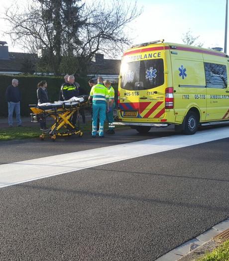 Fietsster gewond in Enschede na botsing met auto
