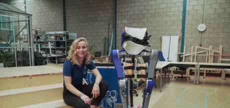 Britt uit Haaksbergen zet studie even stop voor prestigieus project voor mensen met een dwarslaesie