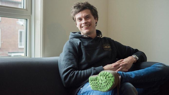 Thomas van den Brink kan gratis wonen in ruil voor welzijnswerk in de Ganskuijl. ,,Zo sla ik twee vliegen in één klap.''
