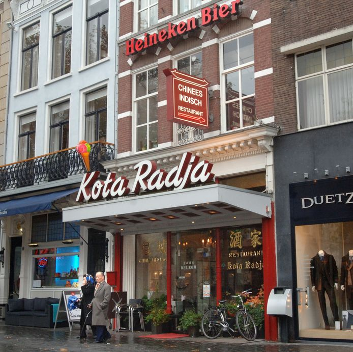 Afhaalrestaurants als Kota Radja, Pom Lai en Indrapoera brachten Nederland sinds de jaren twintig van de vorige eeuw met hun Chinees-Indische mix van gerechten als nasi goreng, satéh en fou yong hai.
