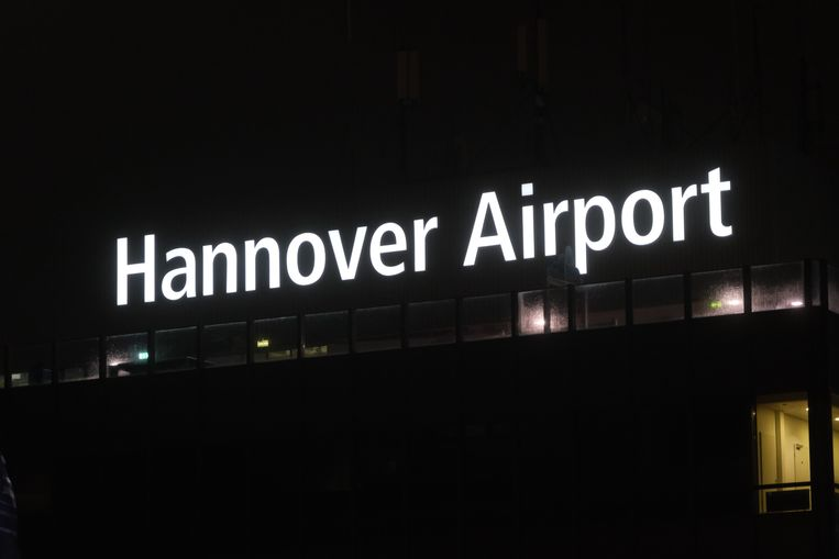Het vliegverkeer op de luchthaven van Hannover werd urenlang stilgelegd.