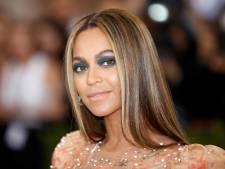 Beyoncé verrast fans met splinternieuw album