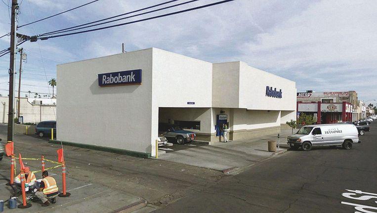 De Rabobank op Rockwood Avenue in Calexico. Beeld