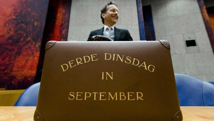 Minister van Financiën Jeroen Dijsselbloem en het Centraal Planbureau zijn het niet eens over de hoogte van het begrotingstekort