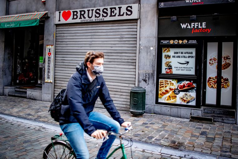 In de maanden april, mei en juni kromp de Nederlandse economie met 9,4 procent ten opzichte van dezelfde periode een jaar eerder. In België was dat 14,5 procent. Beeld SOPA Images/LightRocket via Gett
