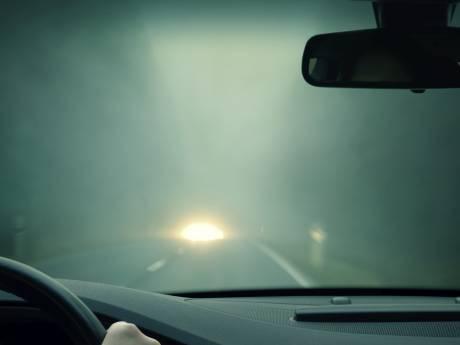 Dichte mist zorgt voor slecht zicht in Zeeland