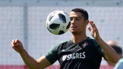"""Ex-ploegmaat Cristiano Ronaldo: """"Zeg gewoon 'nee' als hij vraagt om naar zijn huis te komen"""""""