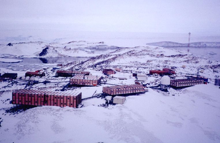 De Dumont d'Urville-poolbasis op Antarctica.