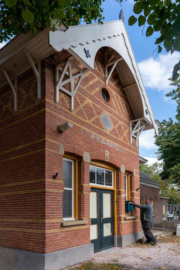 Nederland,  Den Dungen, de Grienselhof wordt verbouwd als woningen.