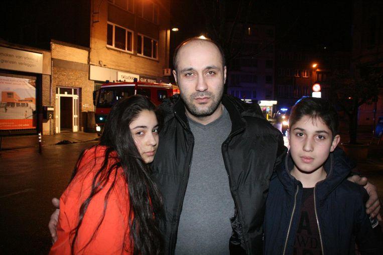 Papa Vahram Sargsyan (37), dochter Asya (14) en zoon Artur (13) werden gewekt door de buurvrouw die op hun deur kwam kloppen.