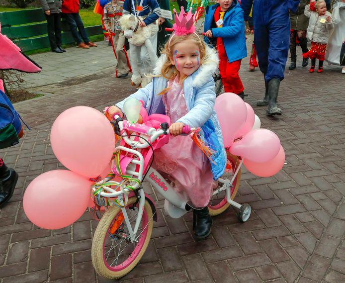 Prinses te fiets in Oerle
