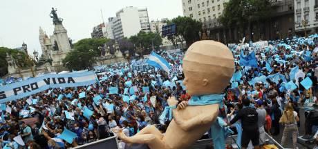 Antiabortusactivisten in Argentinië de straat op in aanloop naar parlementair debat