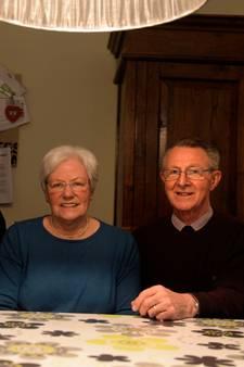 Bennie (78) en Minie (73) zien kleinkinderen voor het eerst dankzij Robert ten Brink