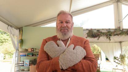 """Hoewel Wim Opbrouck al drie jaar 'Bake Off Vlaanderen' presenteert: """"Zelf taart bakken? Nee jong, ik ga gewoon naar de patisserie"""""""