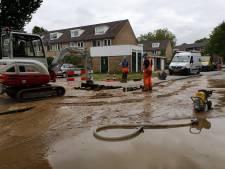 Waterleidingbreuk in Deventer wijk Borgele