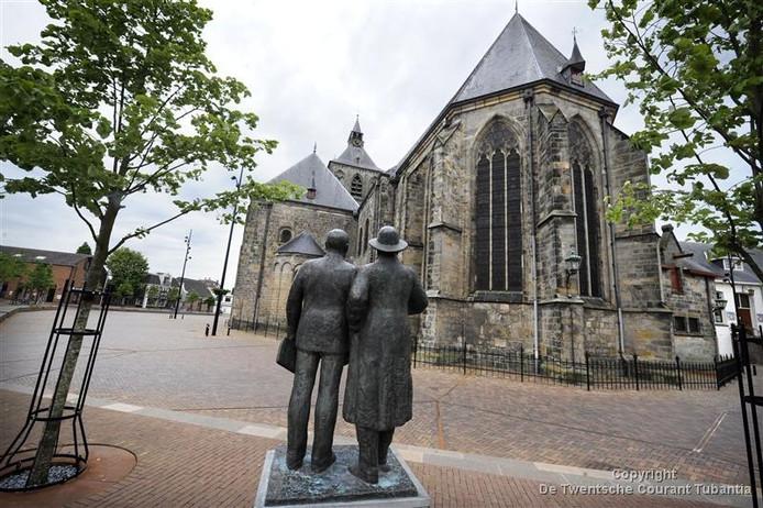 De gemeente Oldenzaal ruilt de vertrouwde papieren infogids in voor een glossy brochure en sfeervolle film over de Boeskoolstad.