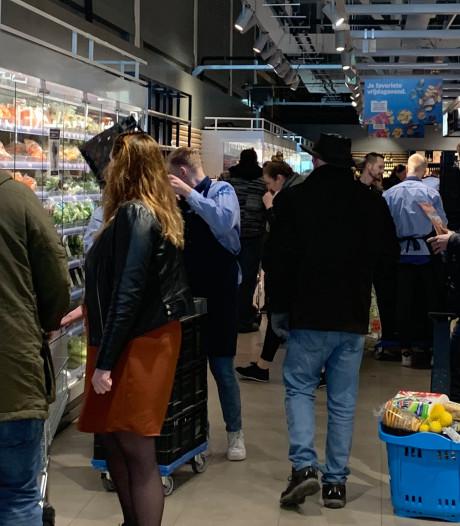 Nog geen boetes uitgedeeld aan mensen die in grote groepen bij elkaar komen in Kampen en Urk