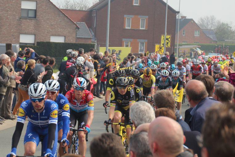 Het publiek in Aaigem kreeg dit jaar dankzij een vroege kopgroep een dubbele passage te zien.