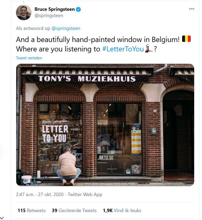 Bruce Springsteen uitte op Twitter zijn appreciatie voor de handgeschilderde etalage.