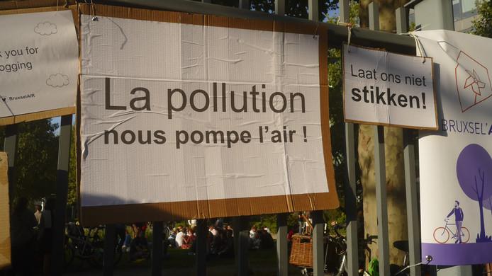 Apéro engagé sur la rue de la Loi à Bruxelles