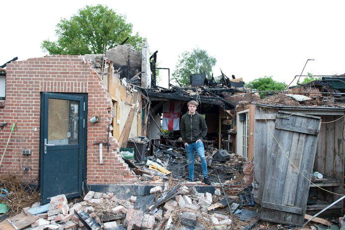 Tom Hartman uit Lierderholthuis is alles kwijt na de verwoestende cafébrand. Hij woonde boven café d'Olde Wettering.