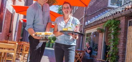 Lisette en Barend openen in coronatijd koffiebar in Wageningen: 'Alleen maar positieve reacties'