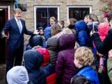 Door weer en wind: koning opent veelbesproken Reevediep bij Kampen