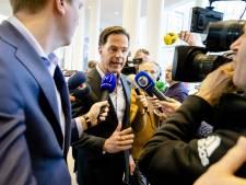 Boerenzakdoek als pochet: stil protest bij ondernemersgala Lelystad met premier Rutte