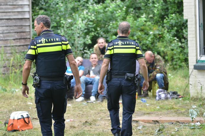 De politie kwam af op de luidruchtige muziek.