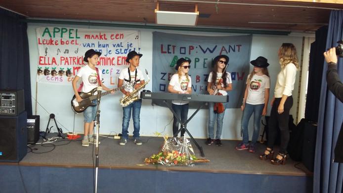 Schoolband 'Appel' van de Franciscusschool in Middelburg