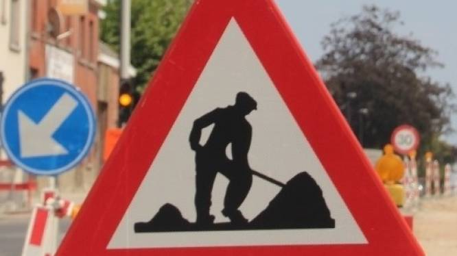 Twee weken beurtelings verkeer op Gentsesteenweg omdat deel betonplaten worden vervangen