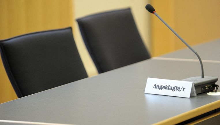 Bisschop Richard Williamson is niet aanwezig op het proces in het Duitse Regensburg.