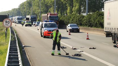 Motorrijder zwaargewond nadat hij inrijdt op achterkant van tankwagen