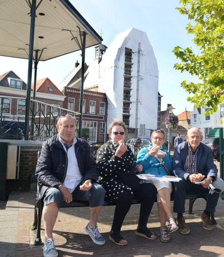 Tegenvaller bij restauratie van natuurstenen gevel stadhuis Brouwershaven