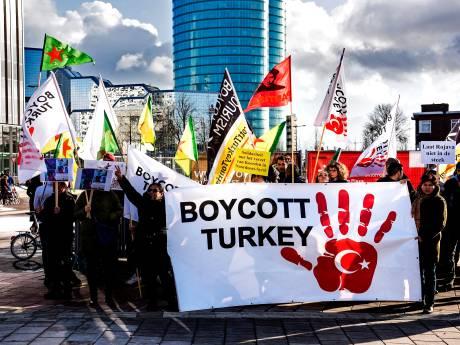 Boze Koerden bij Vakantiebeurs: 'Met vakantie naar Turkije steun je bloedvergieten'