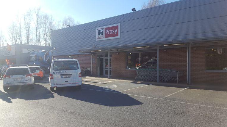 De politie kwam ter plaatse bij de overvallen Proxy Delhaize.