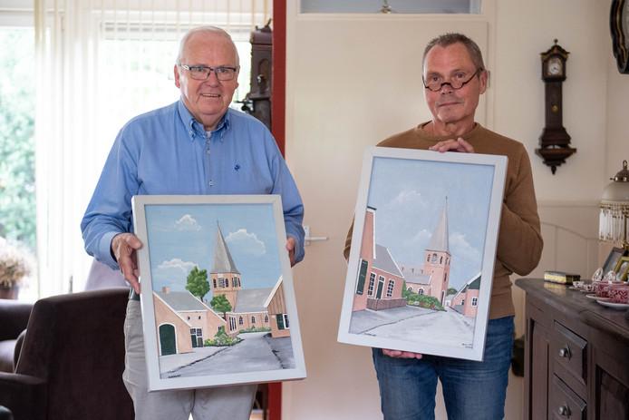 Gerrit Runhart (links) en Mathieu Wildenborg met twee van de vele schilderijen van Gerrit Wissink.