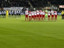 FC Utrecht houdt minuut stilte voor wedstrijd tegen PEC Zwolle