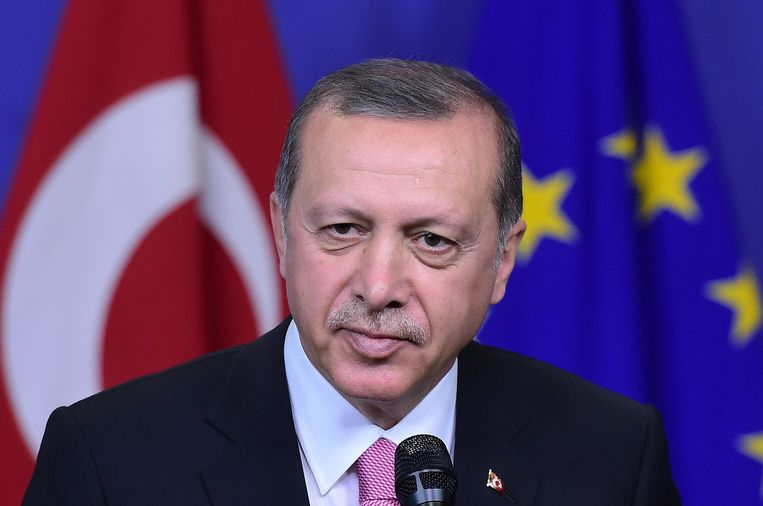 Erdogan overweegt ook een referendum over de EU te houden. Beeld afp