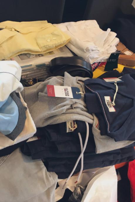 Dievegge maakt het wel erg bont: 4000 euro aan gestolen kleding in achterbak