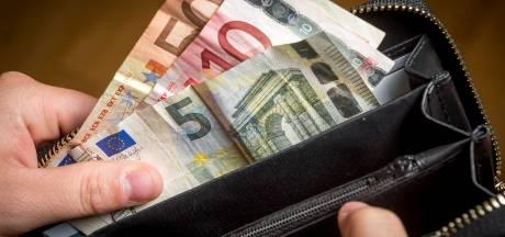 Oplichter bestelt een hoop maar gaat zelf met geld aan de haal