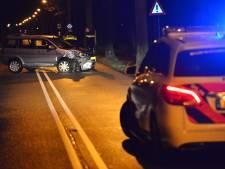 Auto raakt van de weg en botst tegen boom in Etten-Leur