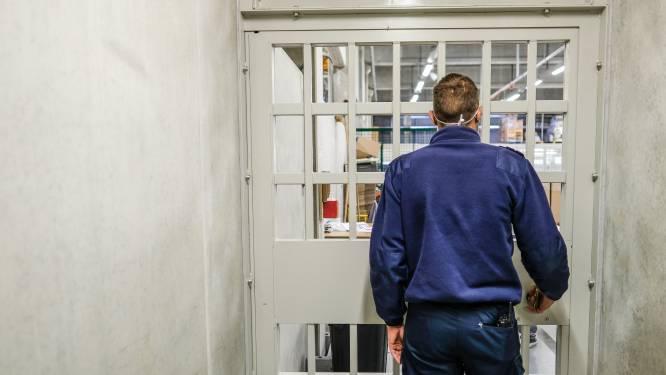 Opnieuw sociale onrust in gevangenissen: stakingsaanzegging wegens versoepeling bezoekrecht