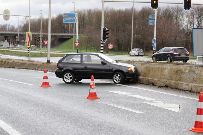 Twee auto's verloren kort achter elkaar de macht over het stuur en eindigden in de vangrail.