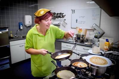 Pannenkoek eten voor de voedselbank in Wijchen